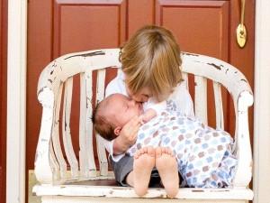 الام والطفل